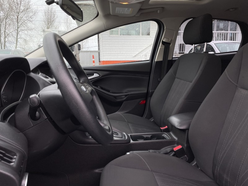 2016 FORD FOCUS SE Edition, Bluetooth, Sunroof, No Accidents