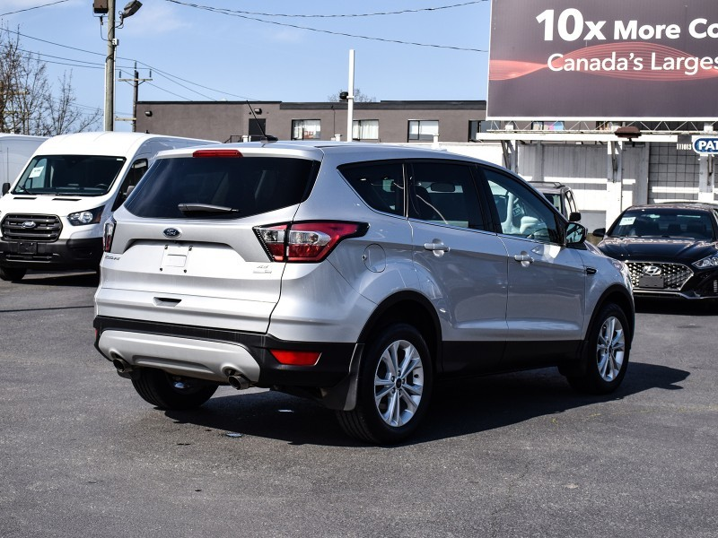 2017 FORD ESCAPE SE Edition, All Wheel Drive, Bluetooth, Low kms