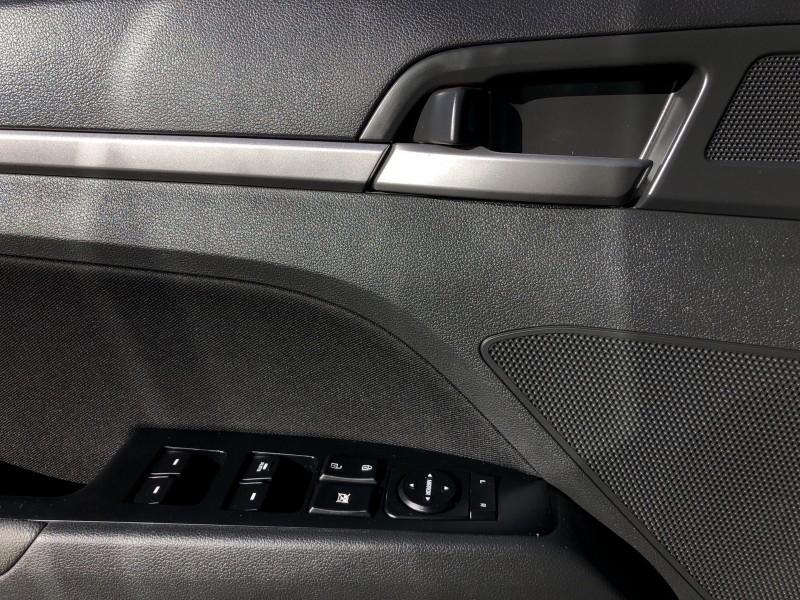 2017 HYUNDAI ELANTRA GLS Edition, Sunroof, Bluetooth, Alloy Wheels