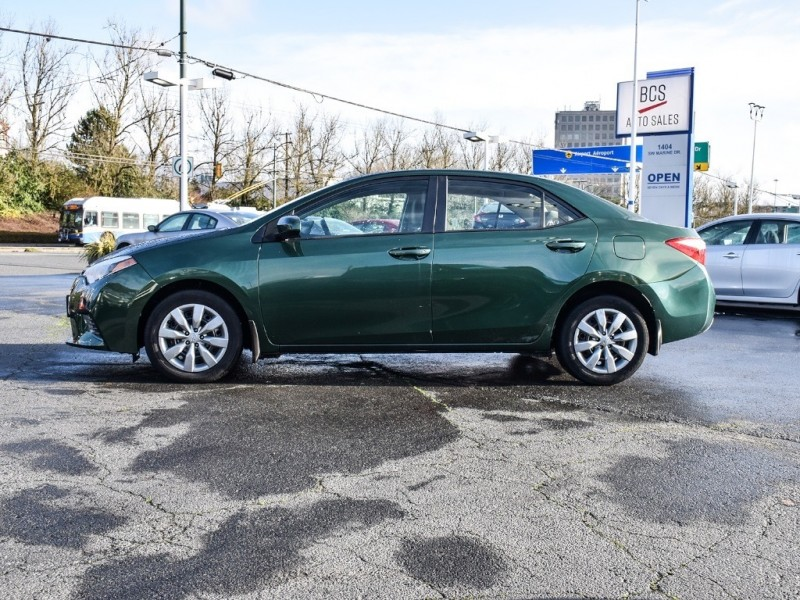 2015 TOYOTA COROLLA Locally Driven, Reliable, Bluetooth, Low Kms