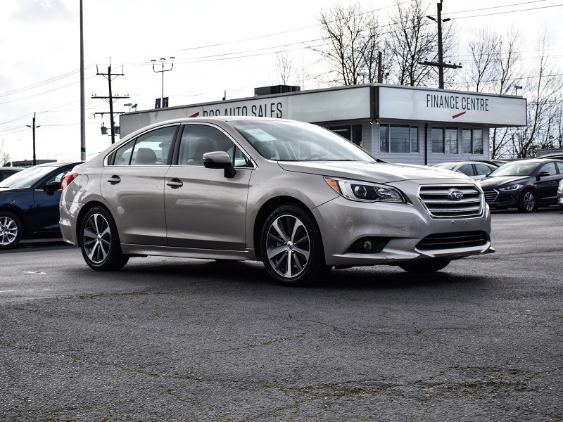 2017 SUBARU LEGACY 3.6R w/Limited & Tech Pkg. One Owner. No Accidents