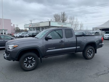 2016 TOYOTA TACOMA TRD Off Road Capable, Locally Driven, Reliable